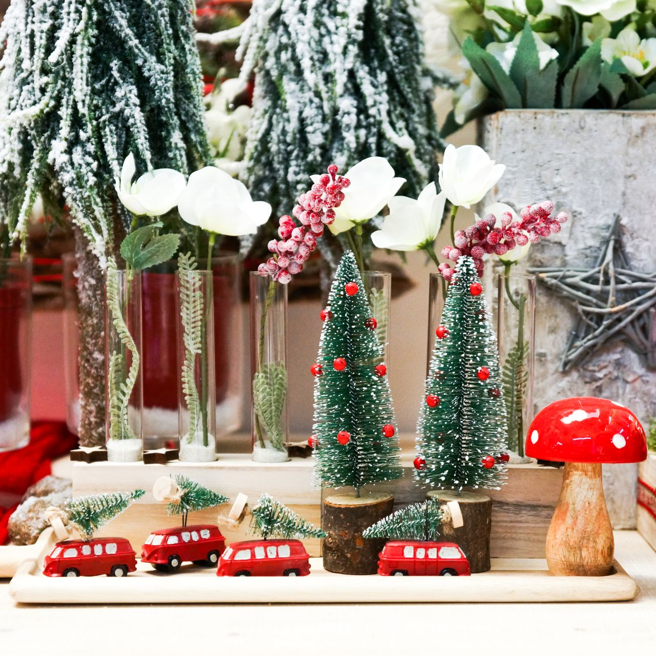 Juletrepyntbil med granrød / grønn 2stk